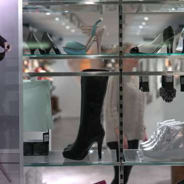 What to look for when buying high heels online