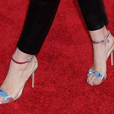How to walk gracefully in high heels