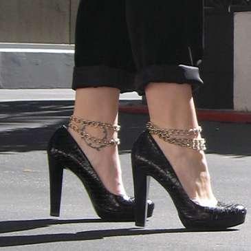 High heels do not cause bunions