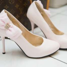 What high heels to wear for a wedding