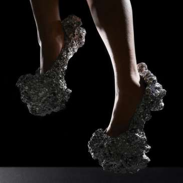 Science and high heels join forces – SWINE creates Meteorite Shoes