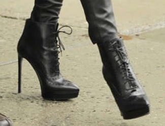 How to walk in high heels without sound