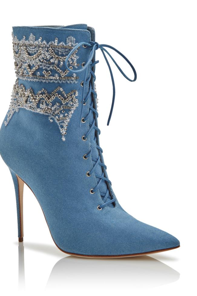Rihanna and Manolo Blahnik's booties