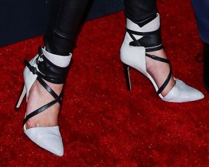 bella-thorne-high-heels