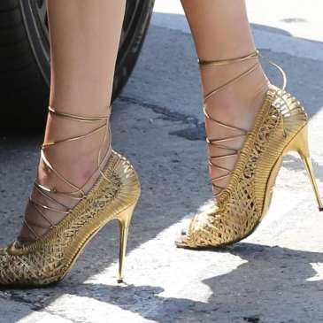 Top 20 pictures of Kendall Jenner in high heels