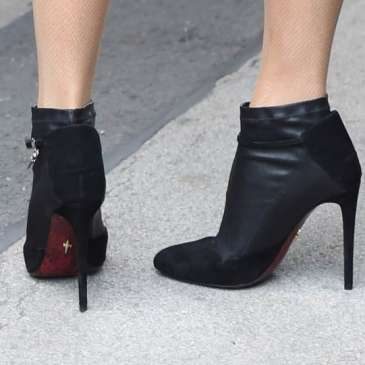 Five health reasons why you shouldn't wear high heels for long
